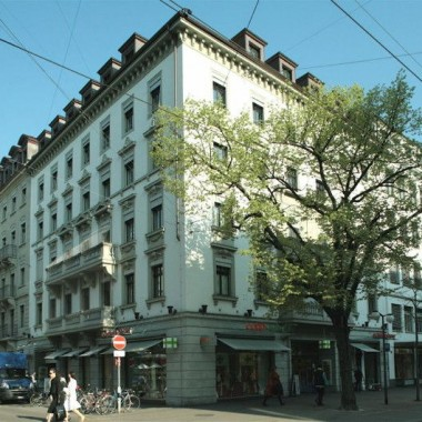 Sanierung Geschäftshaus Bahnhofstr. 81/Schweizergasse 2+4, Zürich (19.Jh.); 2000