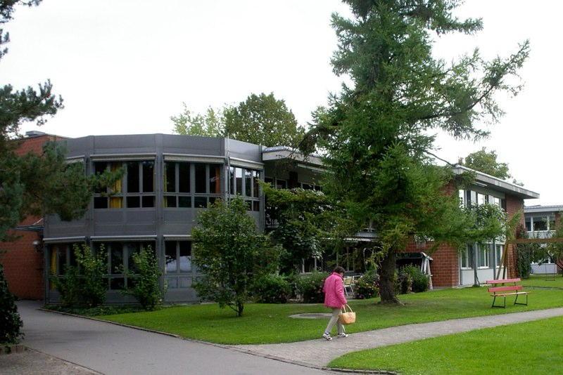 Sanierung/Erweiterung Wohnhaus 10, Wagerenhof Uster, Uster ZH (20.Jh.); 1998