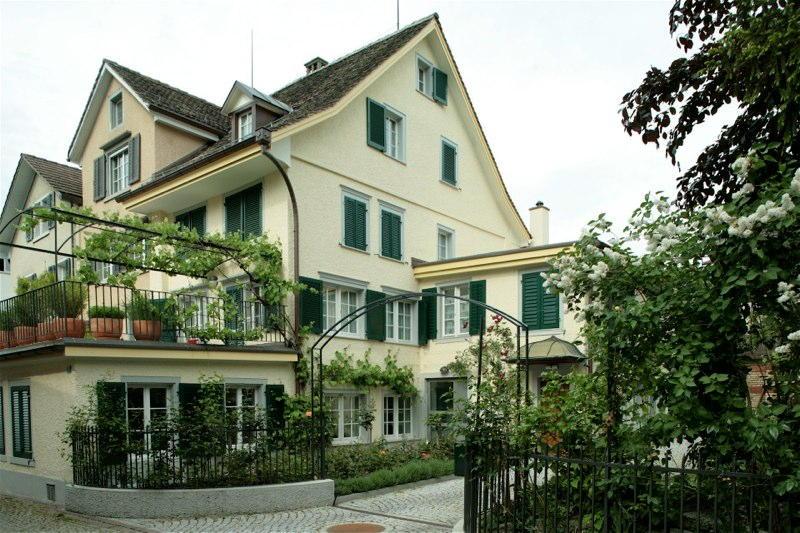 Sanierung Büro-/Wohnhaus, Rennweg 3, Küsnacht ZH (18.Jh.); 2003