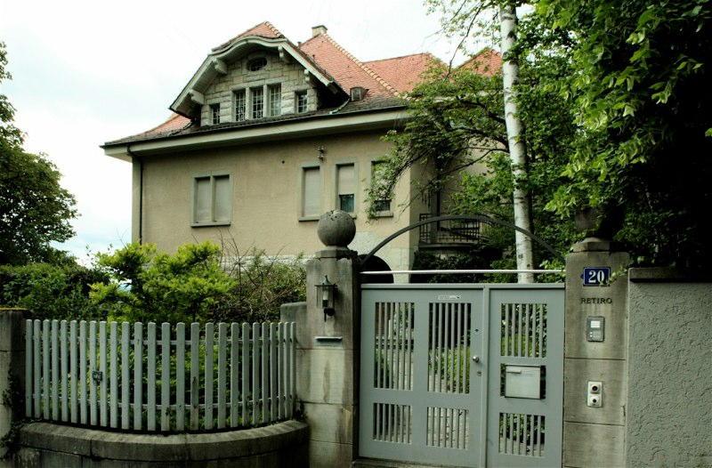 Sanierung/Dachausbau Villa