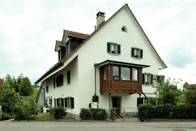 Gesamtsanierung Flarzhäuser Innerwillikon, Oetwil ZH (17.Jh.); 1994