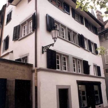 """Gesamtsanierung Altstadthaus """"Zum Irrgang"""", Augustinergasse 6, Zürich"""